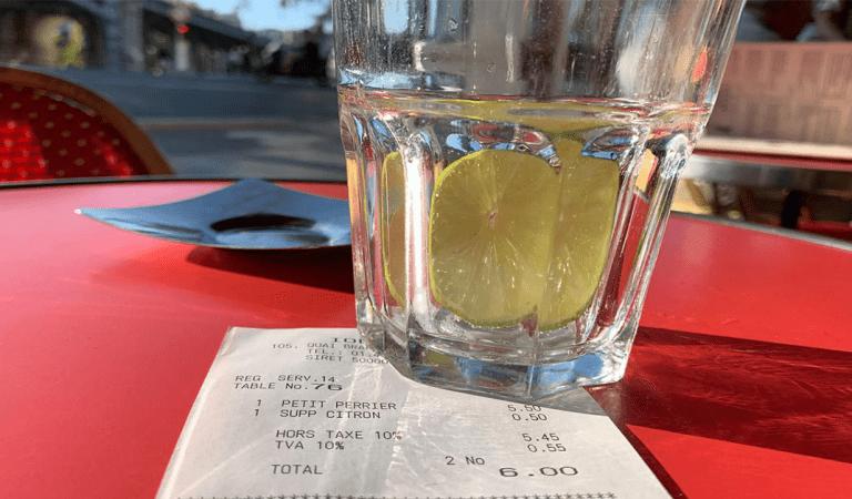 Paris: elle commande un Perrier et se voit facturer sa tranche de citron