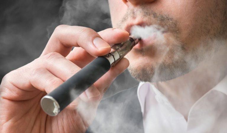 Cigarette électronique: 22 % des souris testées ont contracté le cancer du poumon avec le vapotage