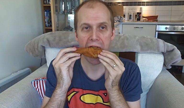Expérience: il mange exclusivement du KFC pendant une semaine : Voici les conséquences sur sa santé