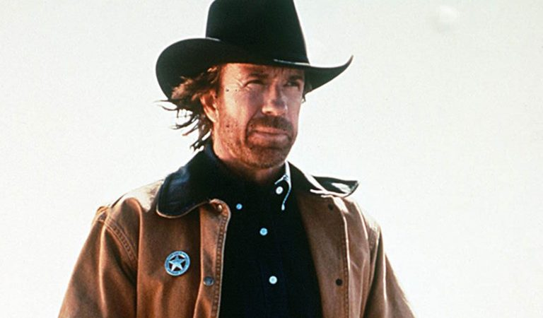 Walker Texas Ranger : découvrez l'acteur qui va remplacer Chuck Norris dans le reboot de la série
