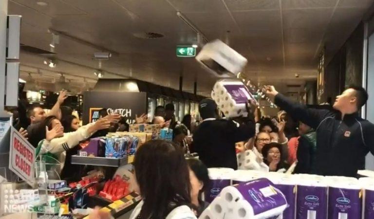 Une jeune fille de 13 ans piétinée dans un supermarché à cause de gens affolés qui se ruent vers du papier toilette