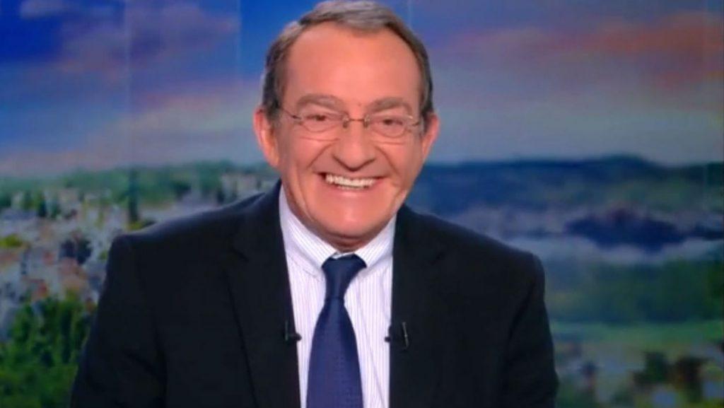 Jean-Pierre Pernaut présente son JT sur TF1.