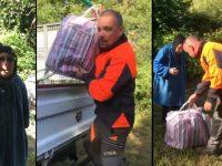 après avoir remis sa cabane en état, Mario Delorme offre des vivres à cette octogénaire qu'il a secourue