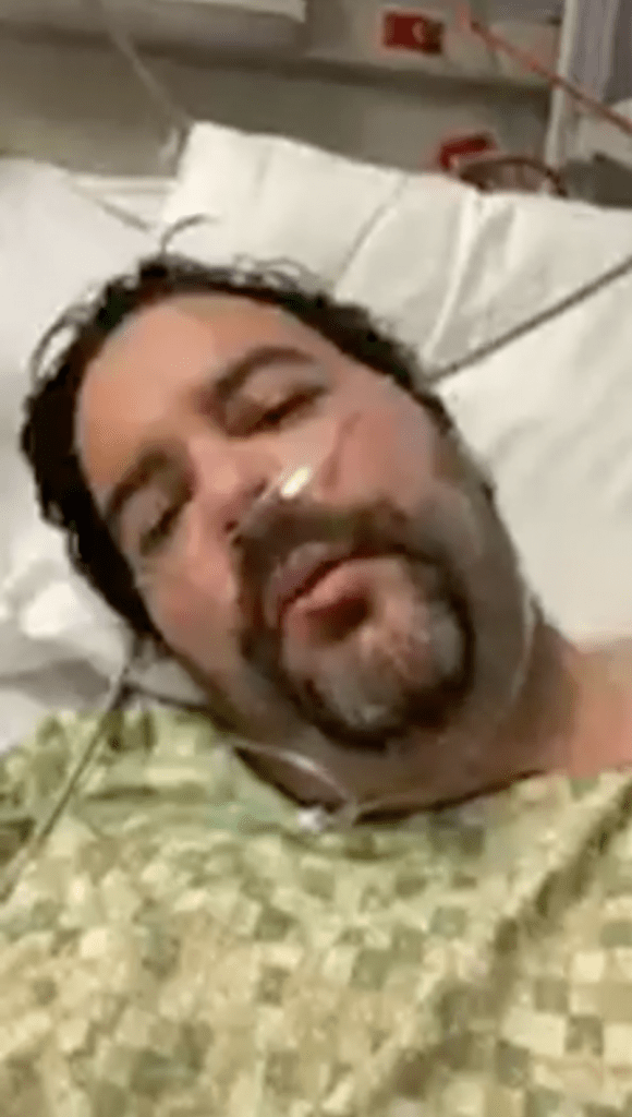 John Place s'exprime depuis son lit d'hôpital.