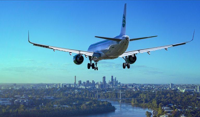 Astuces vacances : voilà comment payer son billet d'avion le moins cher possible !