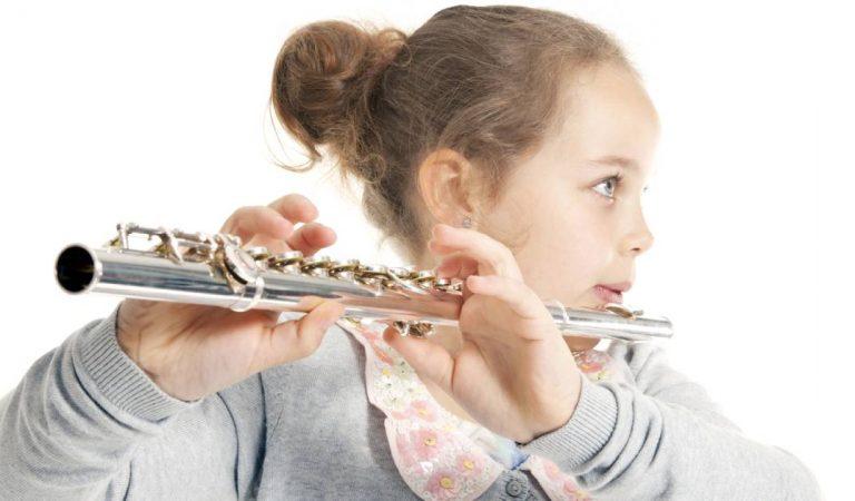 Ce professeur de musique remplissait les flûtes de ses jeunes élèves avec son sperme