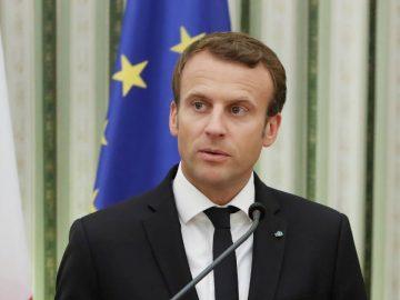 Emmanuel Macron s'adresse aux journalistes, ce 02 juillet 2020.