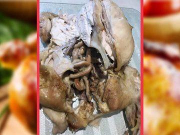 Le poulet Aldi avec ses organes.