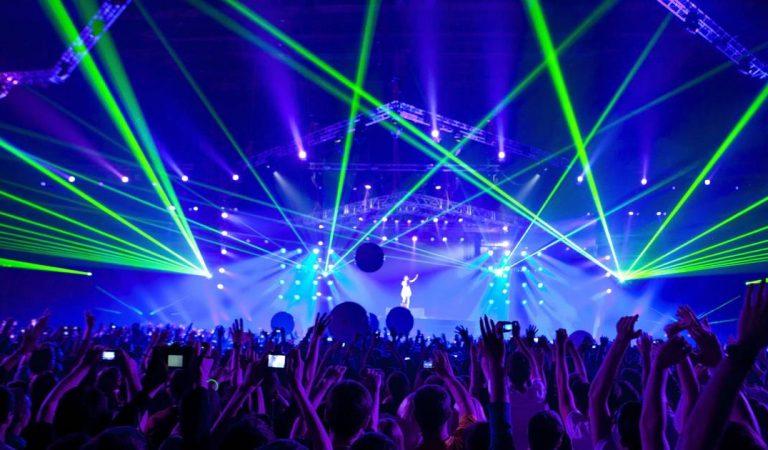 Covid-19 : 4000 volontaires recherchés pour tester la propagation du virus lors d'un concert géant