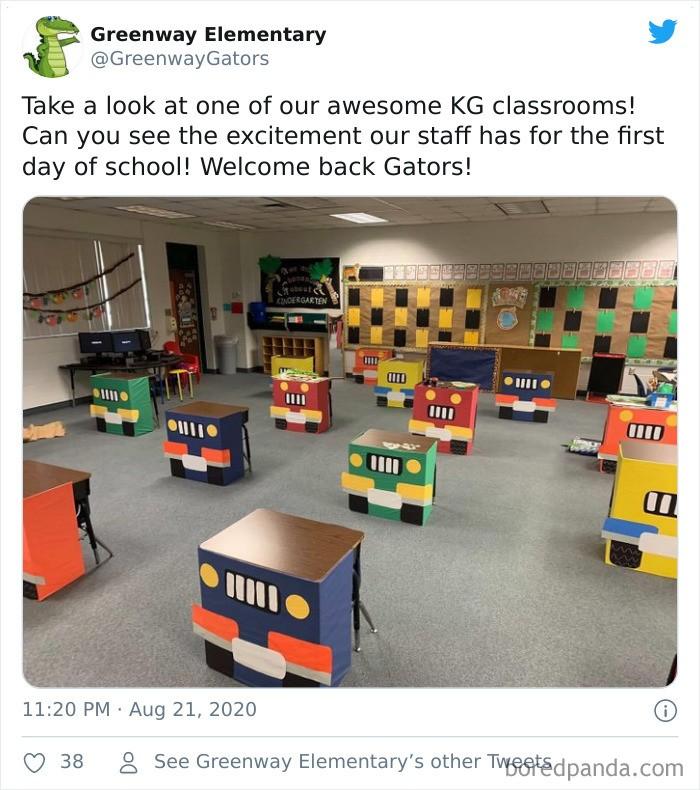 Des bureaux d'écoliers déguisés pour respecter distanciations sociales.