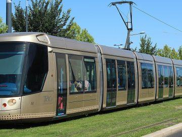 agression homme âgé station tramway Orléans