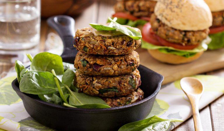 Les aliments végétariens et végans contiennent trop d'eau et d'additifs, selon CLCV