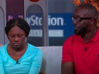 Un père de famille et sa fille, qui harcèle à l'école.
