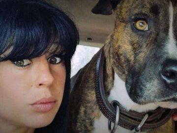 Elisa Pilarski avec son chien Curtis.
