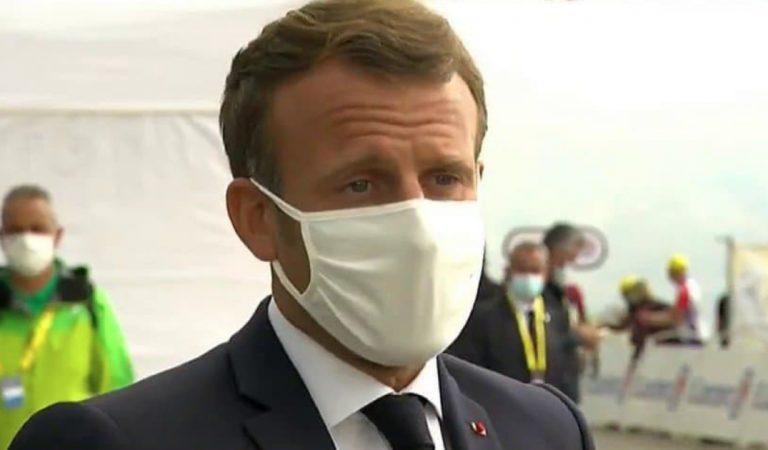 Vidéo : le geste d'Emmanuel Macron sur le Tour de France provoque l'hilarité des internautes