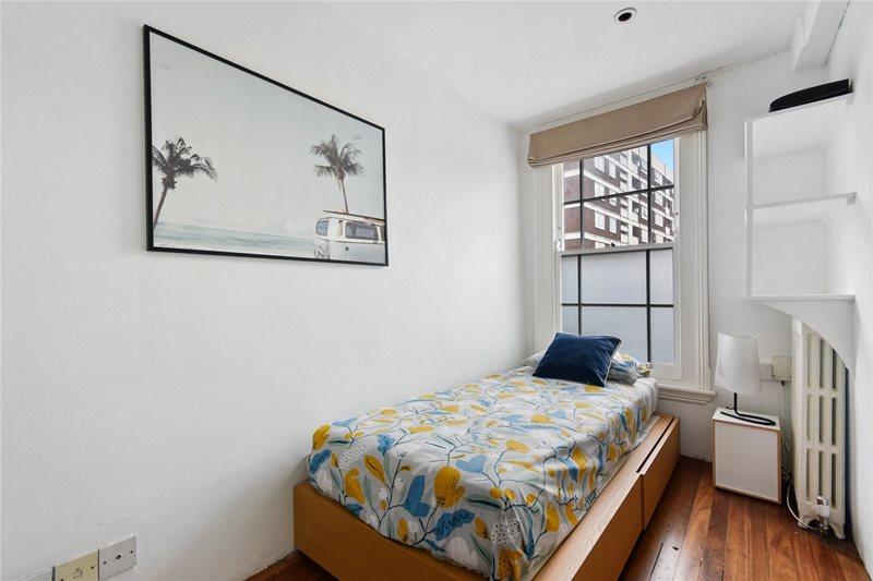 photo deuxième chambre maison Slim House Londres