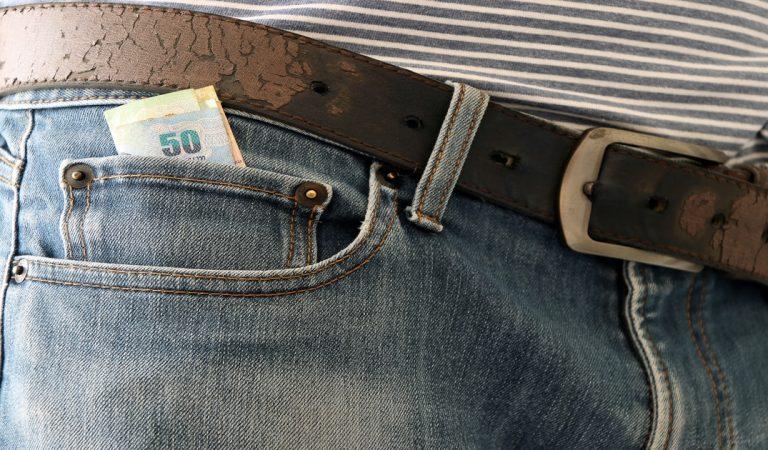 Vous vous demandez à quoi sert la mini-poche dans vos jeans : on a la réponse