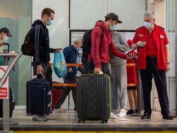 Des voyageurs de la SNCF.