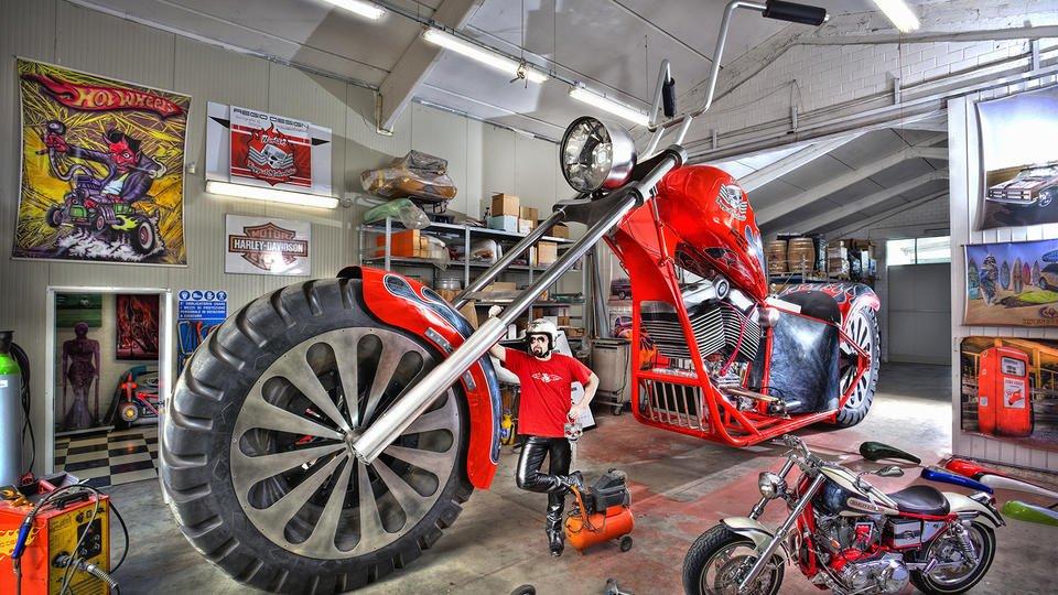 La moto géante de Fabio Reggiani