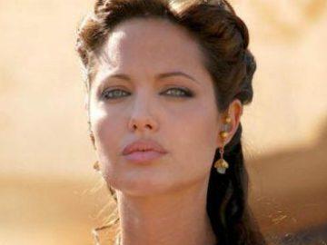 Angelina Jolie dans le film Cléopâtre.