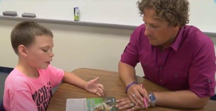 Garçon harcelé à l'école à cause de son tshirt rose