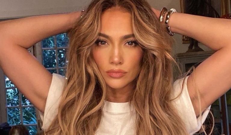 Jennifer Lopez, 51 ans, dévoile ses trucs et astuces pour avoir un corps de rêve