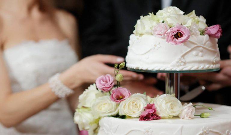 Il gifle sa future femme pendant la cérémonie de mariage à cause d'une simple blague