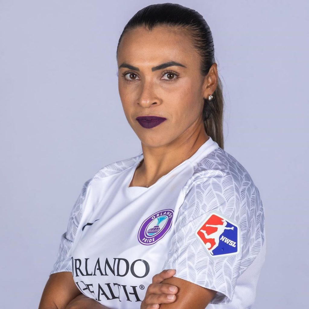 Marta Silva en maillot de foot
