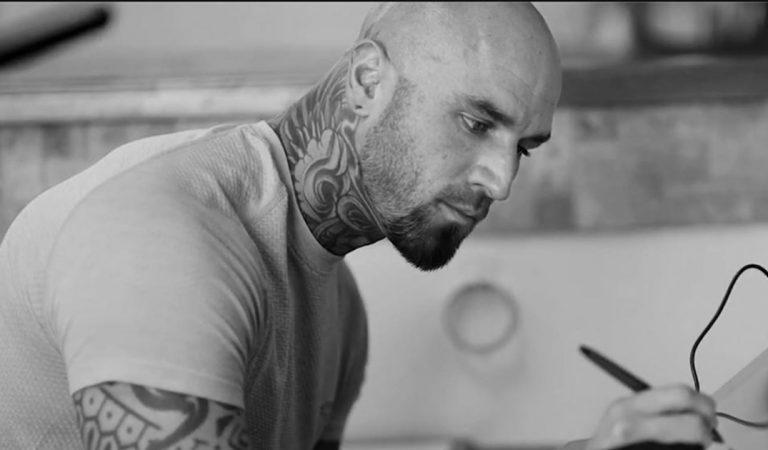 Un tatoueur réalise des tatouages 3D impressionnants