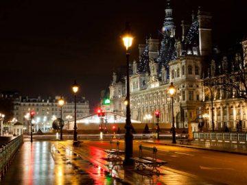 L'hôtel de ville de Paris la nuit