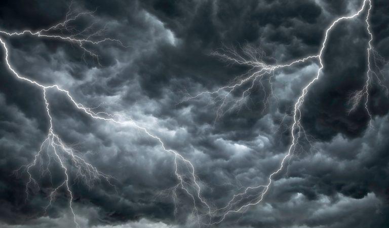 La tempête Alex frappera l'ouest de la France dès ce jeudi soir, des vents violents et des inondations prévus
