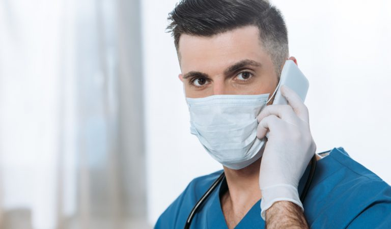 Combien de temps le Coronavirus peut-il survivre sur votre écran de smartphone ?