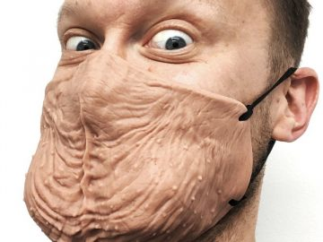 Masque en forme de testicules