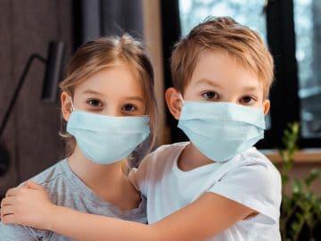 Enfants masqués