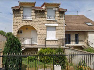 La façade de la maison squattée