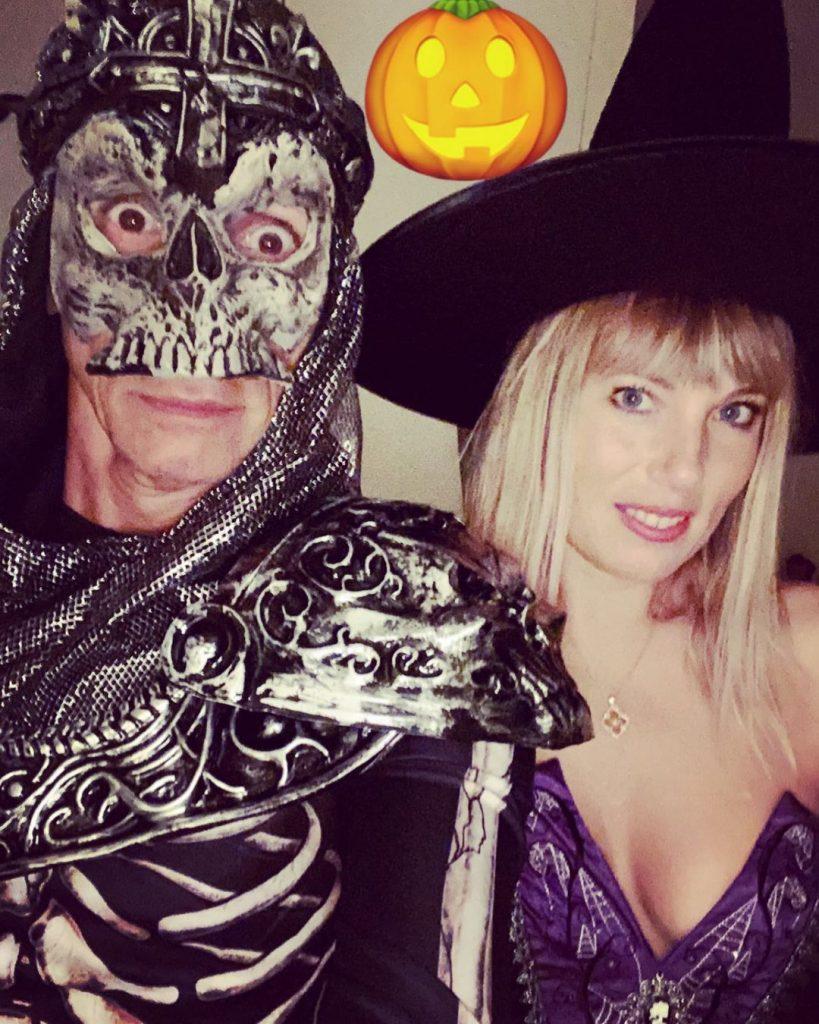 Nagui et son épouse pour Halloween.