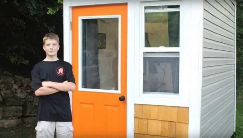 Iowa adolescent de 13 ans construit seul Tiny house fonctionnelle