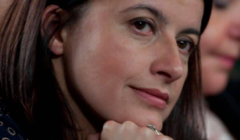 « Je voulais seulement avoir un enfant avec vous » : Cécile Duflot dévoile les SMS d'un homme dérangé qui la poursuit