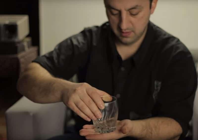 secrets tours de magie pièce traverse le verre