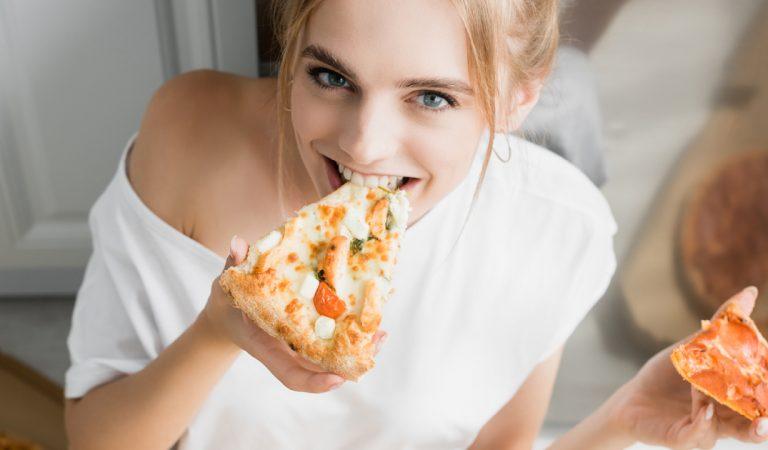 Une part de pizza au petit-déjeuner serait plus sain qu'un bol de céréales, selon une nutritionniste