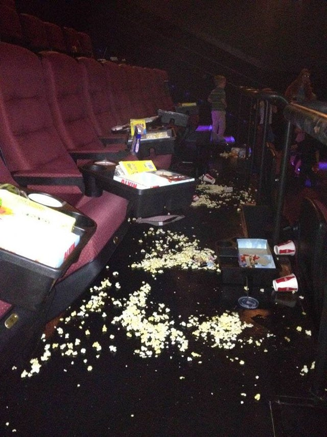 spectateurs mal élevés au cinéma