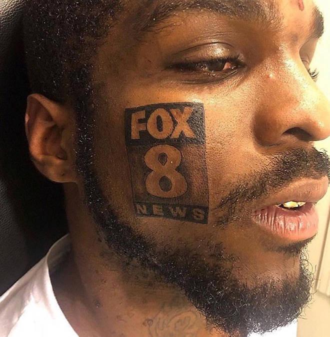 Un tatouage de Fox News sur le visage