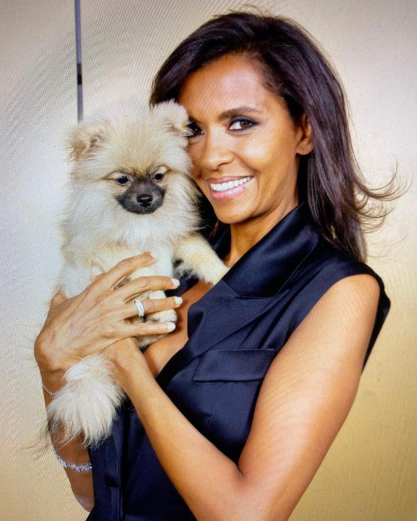 Karine Le Marchand et sa chienne Rose