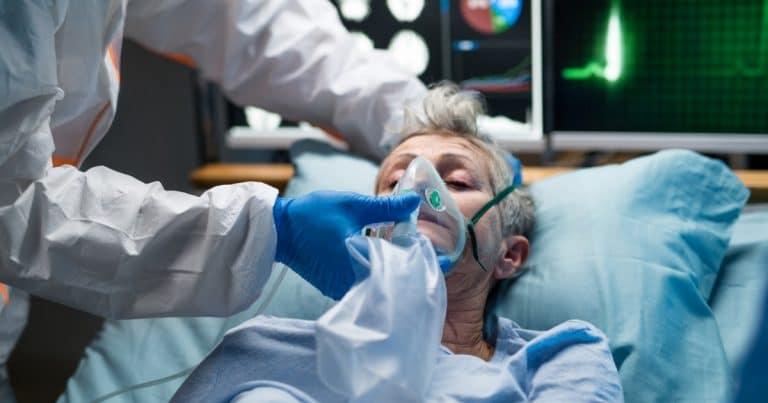 Malade du virus à l'hôpital