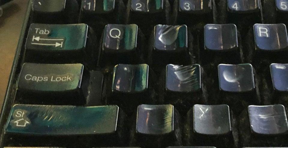 marque du temps visible objets courants clavier ordinateur