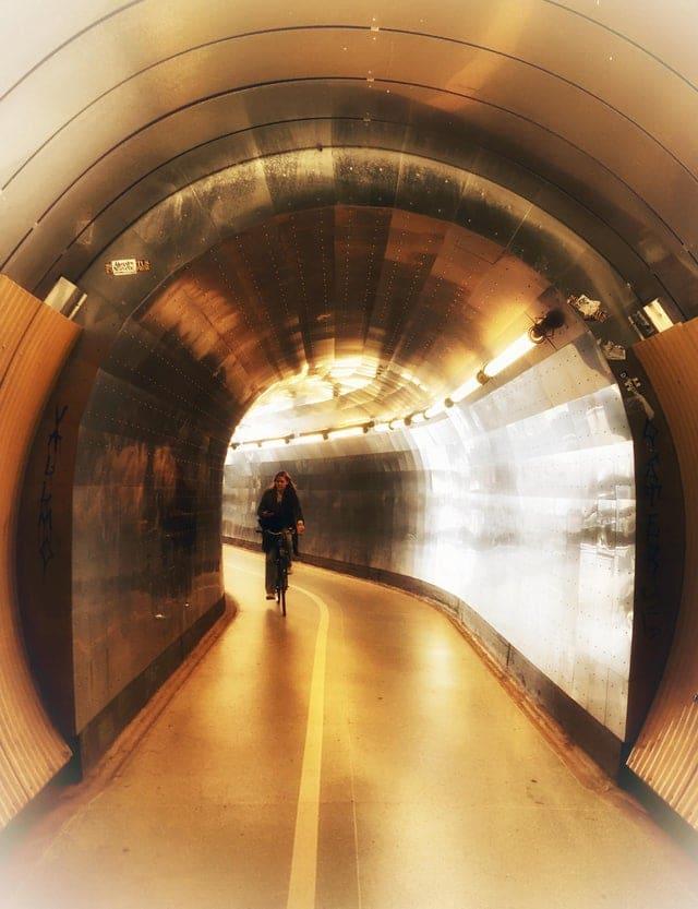 Un tunnel pour piétons et cyclistes en Suède