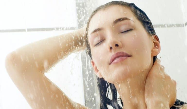 La partie du corps que vous lavez en premier sous la douche révèle votre personnalité
