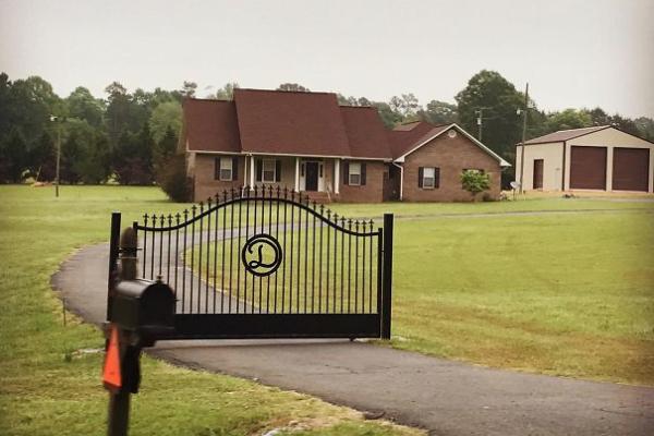 un portail sans barrière