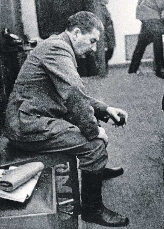 Staline apprend l'invasion nazie
