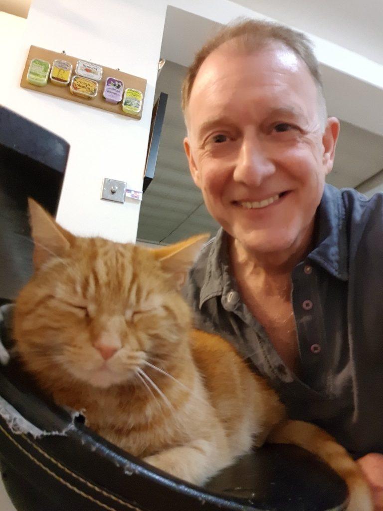 Michael Hubank et son chat